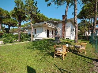 3 bedroom Villa in Lignano Pineta, Friuli Venezia Giulia, Italy : ref 5434525