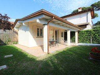 1 bedroom Villa in Forte dei Marmi, Tuscany, Italy : ref 5634433