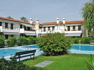 2 bedroom Apartment in Cavallino, Apulia, Italy - 5434393
