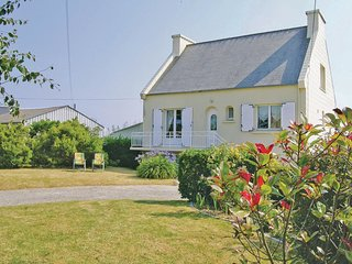 4 bedroom Villa in Plouneour-Trez, Brittany, France : ref 5521995