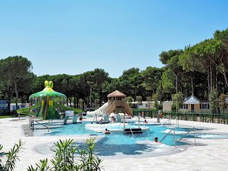 2 bedroom Apartment in Cavallino, Apulia, Italy : ref 5434378