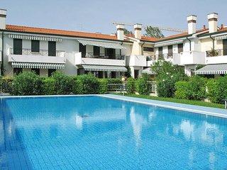 2 bedroom Apartment in Cavallino, Apulia, Italy : ref 5434393