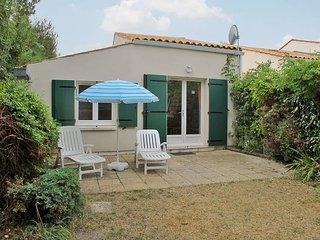 1 bedroom Villa in Dolus-d'Oleron, Nouvelle-Aquitaine, France : ref 5436497