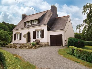 3 bedroom Villa in Fouesnant, Brittany, France : ref 5522019