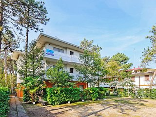 2 bedroom Apartment in Lignano Sabbiadoro, Italy - 5434495