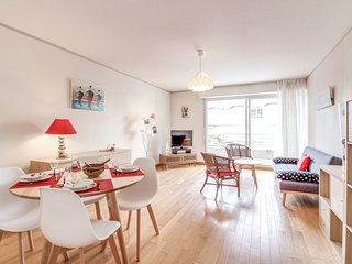 2 bedroom Apartment in Dinard, Brittany, France - 5675686