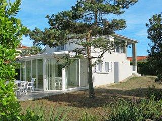 3 bedroom Villa in Bretignolles-sur-Mer, Pays de la Loire, France : ref 5448076