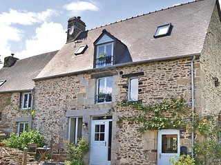 4 bedroom Villa in Sougeal, Brittany, France : ref 5522078