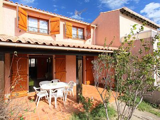 3 bedroom Apartment in Saint-Pierre-sur-Mer, Occitania, France : ref 5513975