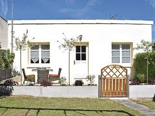 2 bedroom Villa in Grandcamp-Maisy, Normandy, France : ref 5639461