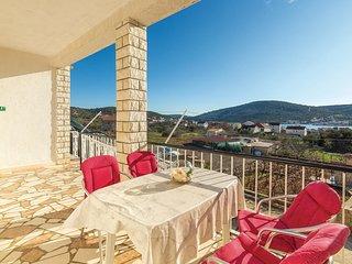 2 bedroom Apartment in Vinišće, Splitsko-Dalmatinska Županija, Croatia : ref 558