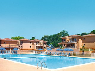 2 bedroom Apartment in La Londe-les-Maures, France - 5436005