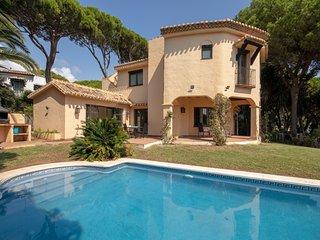 1823 - 4 bed villa, Cabopino, Marbella