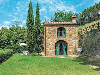 2 bedroom Villa in Dicomano, Tuscany, Italy : ref 5540254