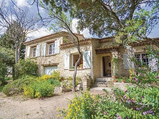 3 bedroom Villa in Sarrians, Provence-Alpes-Cote d'Azur, France - 5539453