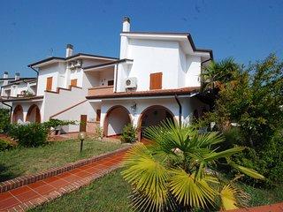 1 bedroom Apartment in Eraclea Mare, Veneto, Italy : ref 5556044