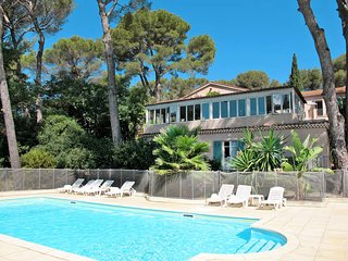 1 bedroom Apartment in La Croix-Valmer, Provence-Alpes-Cote d'Azur, France : ref