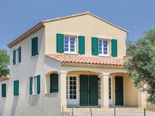 3 bedroom Villa in Lançon-Provence, Provence-Alpes-Côte d'Azur, France : ref 554