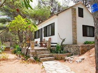 2 bedroom Villa in Rogac, Splitsko-Dalmatinska Zupanija, Croatia : ref 5638465