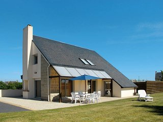 4 bedroom Villa in Kerlouan, Brittany, France : ref 5438158