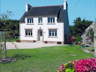 4 bedroom Villa in Landrer, Brittany, France : ref 5650050