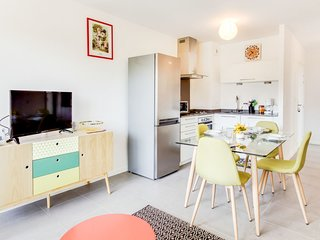 1 bedroom Apartment with WiFi and Walk to Shops - 5606497