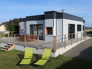 2 bedroom Villa in Brignogan-Plage, Brittany, France : ref 5649872