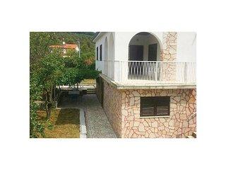 2 bedroom Villa in Okrug Gornji / Liveli, Splitsko-Dalmatinska Zupanija, Croatia
