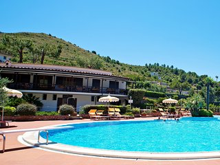 1 bedroom Apartment in Sperlonga, Latium, Italy : ref 5516314