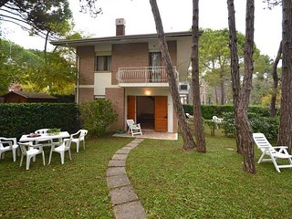 2 bedroom Apartment in Lignano Sabbiadoro, Italy - 5434544