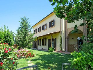 2 bedroom Apartment in Pomaia, Tuscany, Italy : ref 5655772
