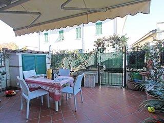 1 bedroom Villa in Forte dei Marmi, Tuscany, Italy : ref 5637414
