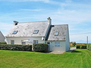 2 bedroom Villa in Kerlouan, Brittany, France : ref 5438142