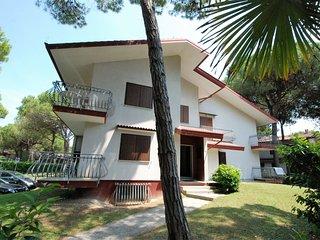 2 bedroom Apartment in Lignano Riviera, Friuli Venezia Giulia, Italy : ref 55188