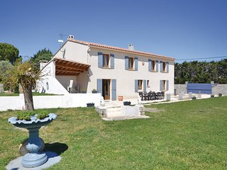 2 bedroom Villa in Sarrians, Provence-Alpes-Cote d'Azur, France - 5534259