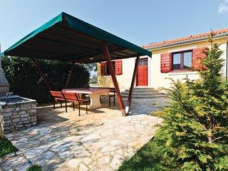 2 bedroom Villa in Fažana, Istria, Croatia : ref 5520107