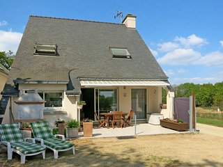 3 bedroom Villa in Penvins, Brittany, France : ref 5441416