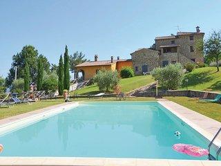 4 bedroom Apartment in Mandrello-Palazzone, Umbria, Italy : ref 5552055