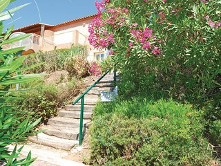 2 bedroom Apartment in Saint-Peïre-sur-Mer, Provence-Alpes-Côte d'Azur, France :