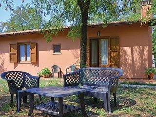 2 bedroom Villa in Cignanbianco, Tuscany, Italy : ref 5540189