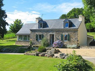 3 bedroom Villa in Hanvec, Brittany, France : ref 5438155