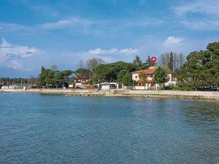 2 bedroom Apartment in Juricani, Istria, Croatia : ref 5520784