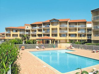 2 bedroom Apartment in Valras-Plage, Occitania, France : ref 5669405