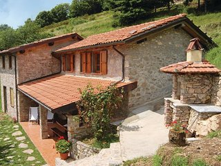 2 bedroom Villa in Metato, Tuscany, Italy : ref 5537534