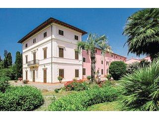 2 bedroom Apartment in Marina di Cecina, Tuscany, Italy - 5523549