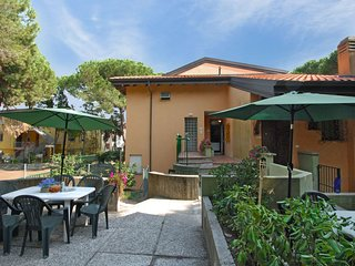 2 bedroom Apartment in Rosolina Mare, Veneto, Italy : ref 5537753
