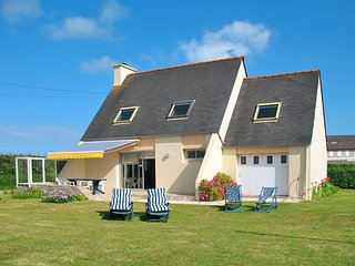 3 bedroom Villa in Kerlouan, Brittany, France : ref 5438159