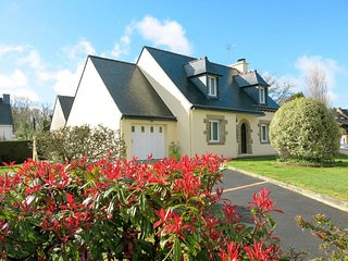 5 bedroom Villa in Sarzeau, Brittany, France : ref 5441400