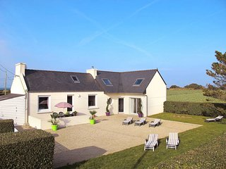 3 bedroom Villa in Kervaliou, Brittany, France : ref 5438071