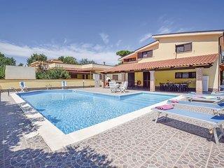 4 bedroom Villa in Castel Volturno, Campania, Italy : ref 5673581